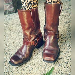 The Gorilla Shoe